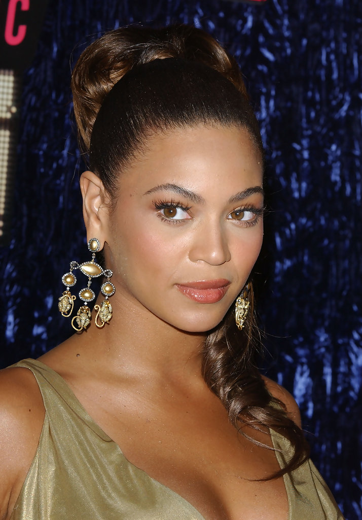 Beyonce Knowles photo gallery - high quality pics of