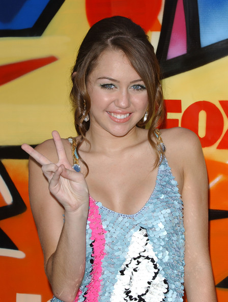مملكه miley cyrus &hannah montana  2007+Teen+Choice+Awards+Arrivals+s841Yx40Qffl