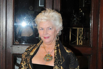 fionnula flanagan net worth