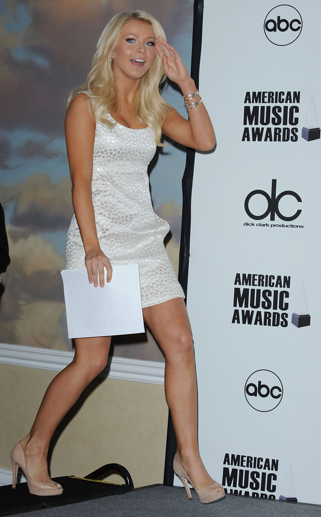 Julianne Hough in 2008 American Music Awards