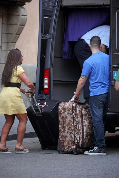 jersey shore cast in italy pictures. Jersey Shore Cast Moves Into