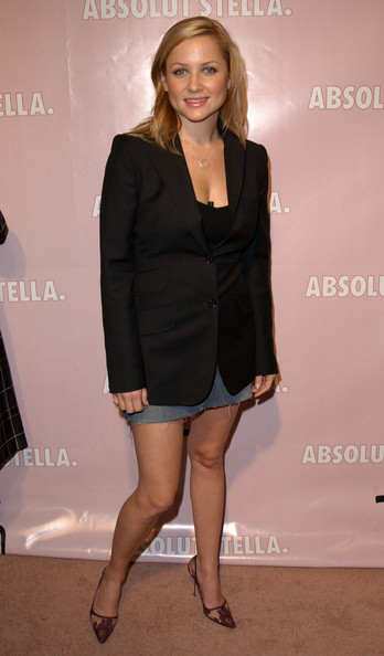 http://www4.pictures.zimbio.com/bg/Absolut+Stella+party+AgKn1Q-XvWyl.jpg