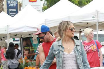 Ali Fedotowsky Celebrities At Farmer's Market In Los Angeles