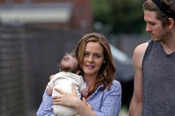 Christopher Jarecki Alicia Silverstone on Set with Family