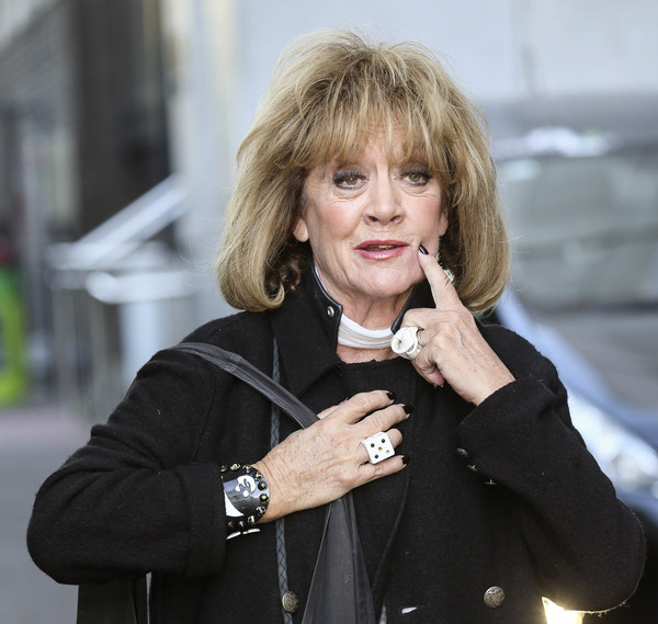 Amanda Barrie Net Worth