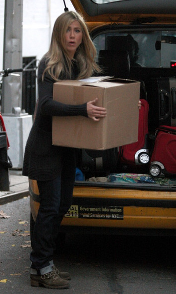 "Jennifer Aniston and Paul Rudd unload some boxes while filming a scene for ""Wanderlust"" in the West Village."