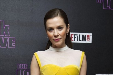 Anna Friel Arrivals at 'The Look of Love' Premiere