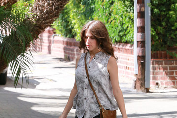Anna Kendrick Anna Kendrick Heads to an Office