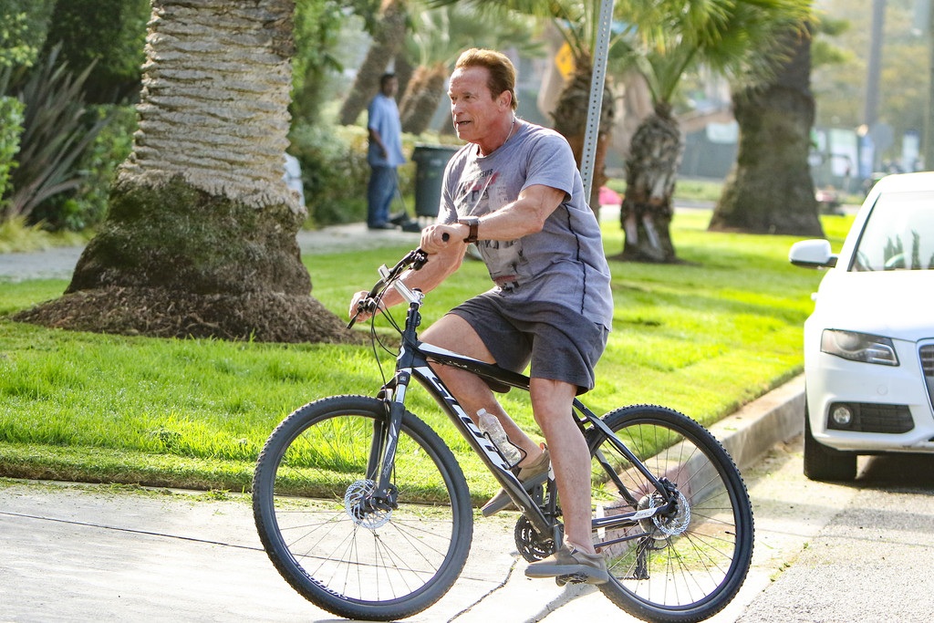 Arnold Schwarzenegger Rides his Bike in Los Angeles 7/26/2016