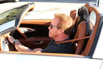 Arnold Schwarzenegger Arnold Schwarzenegger Out in Beverly Hills
