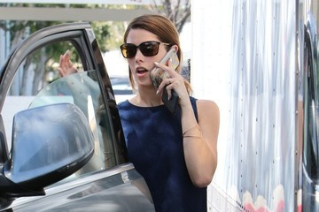 Ashley Greene Ashley Greene Goes Grocery Shopping