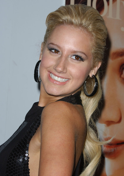ashley tisdale photos photos 9th annual young hollywood