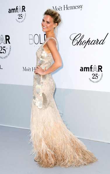 Bar+Refaeli+amfAR+Cinema+Against+AIDS+gala+LThaKVmeeuFl.jpg