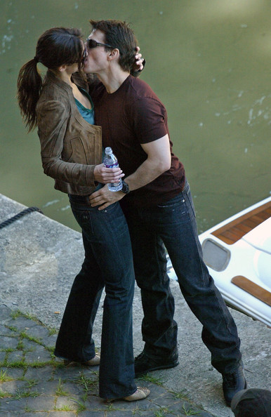 tom cruise and katie holmes kissing. Katie Holmes Tom Cruise takes