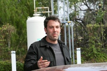 Ben Affleck Ben Affleck Pumps Gas