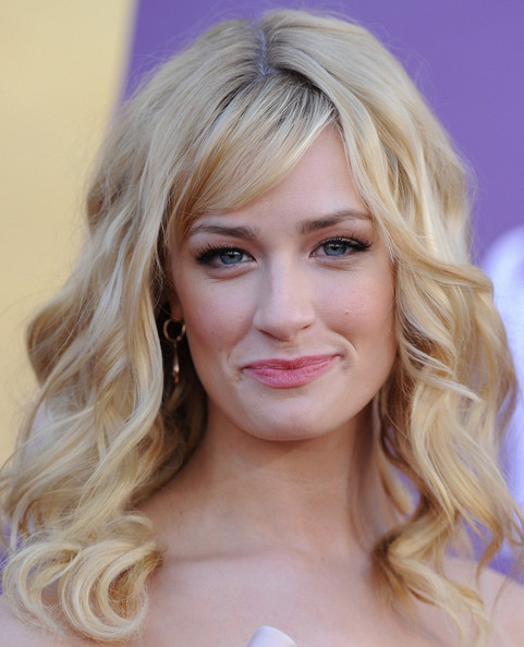 beth behrs celebrity people - photo #34