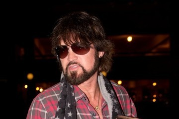 Billy Ray Cyrus Billy Ray Cyrus Leaves LA