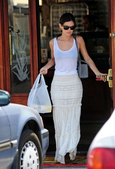Rachel Bilson at House of Pies