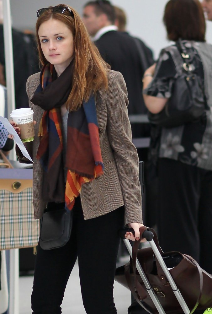 Alexis Bledel at Pearson International Airport - Zimbio