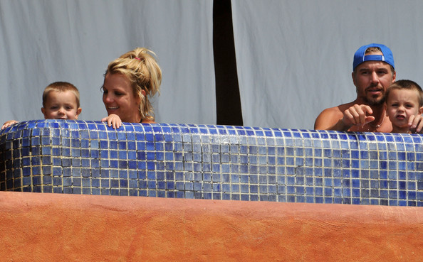 britney spears sean preston picture. Britney Spears on Vacation