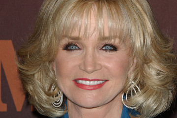 Barbara Mandrell Cmt Giants Honoring Reba Mcentire Arrivals | Short Hairstyle 2013