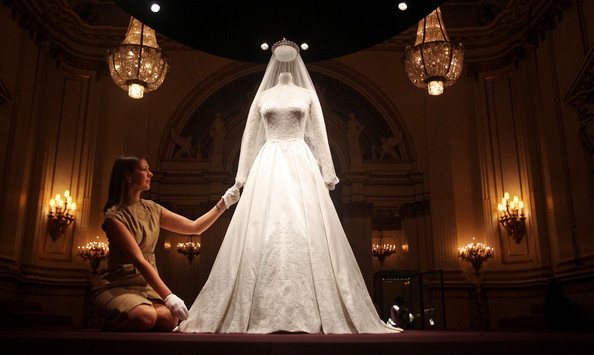 Caroline De Guitaut The Queen and Catherine view the wedding dress