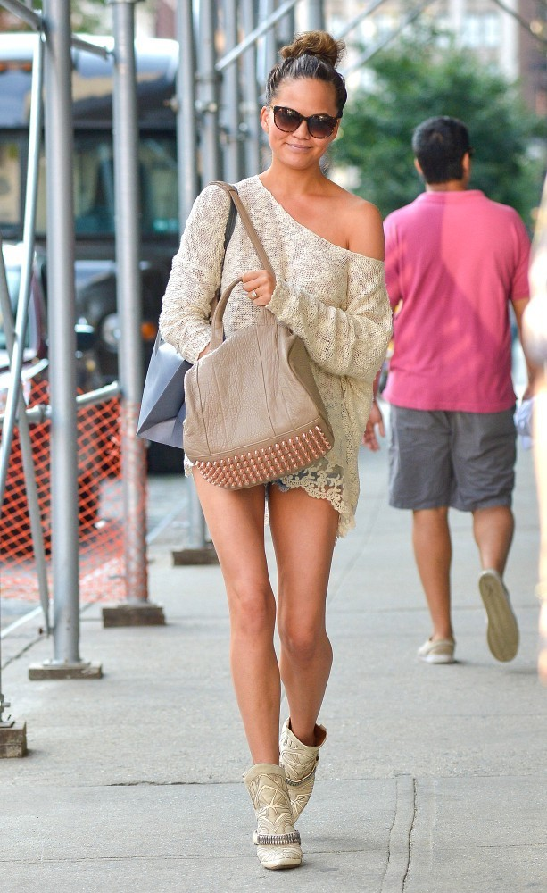 Chrissy Teigen shops in downtown Manhattan on August 16, 2013.