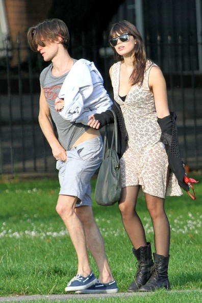 Daisy Lowe Pictures - Matt Smith and Daisy Lowe in ...