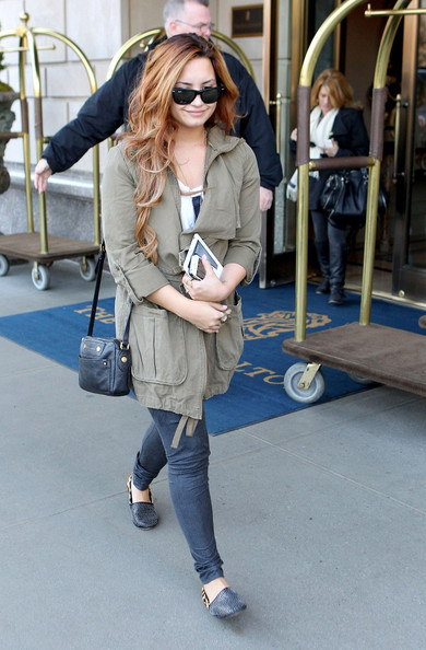 Demi Lovato - Demi Lovato Leaves the Ritz in NYC