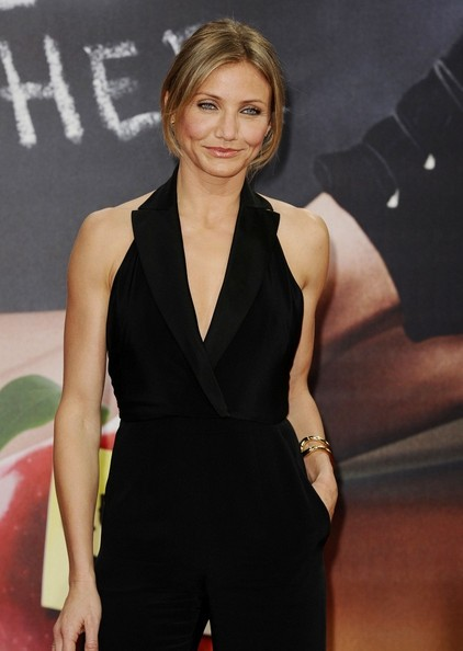 Cameron Diaz attends the premiere for 'Bad Teacher' at the Sony Center  .