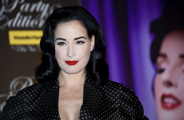 Dita Von Teese Dita+keeps+promoting+OvJyy5o7QTMl