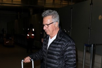 Dustin Hoffman Dustin Hoffman Arrives at LAX