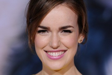 Elizabeth Henstridge 'Thor: The Dark World' Premieres in Hollywood
