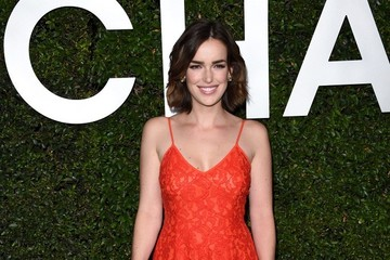 Elizabeth Henstridge Arrivals at the 'Young Hollywood' Event