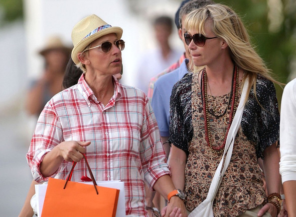 Ellen and Portia shop
