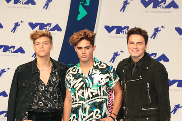 Emery Kelly 2017 MTV Video Music Awards - Arrivals