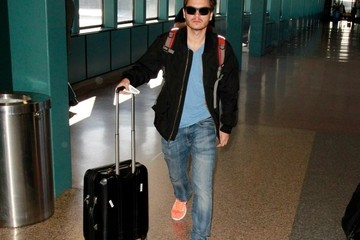 Emile Hirsch Celebs Spotted at the Salt Lake City Airport