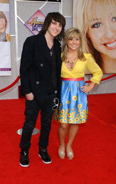 is mitchel musso dating emily osment 2014 Emily osment's biography is filled with personal in 2014, she played the role she was romantically linked with her boyfriend actor mitchel musso in 2008.