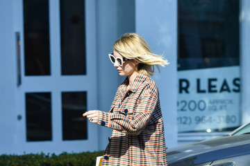 Emma Roberts Emma Roberts Runs Errands In Los Angeles