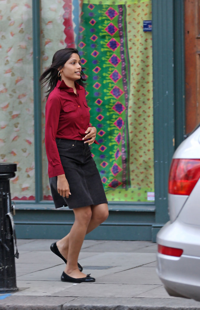 Freida Pinto in Freida is engaged! - Zimbio