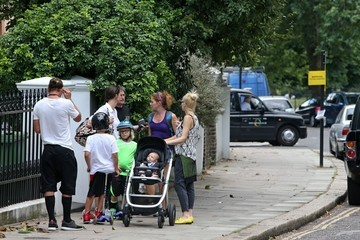 Gavin Rossdale Gwen Stefani Out with Her Family