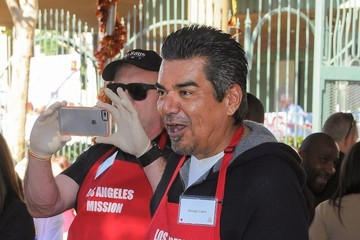 George Lopez Celebs Serve Thanksgiving Meals in L.A.
