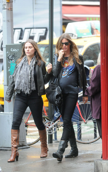 gisele bundchen baby photos. Gisele Bundchen and her aby