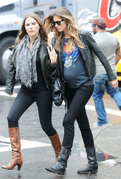 Gisele Baby Bump Gisele Bundchen And Her Baby
