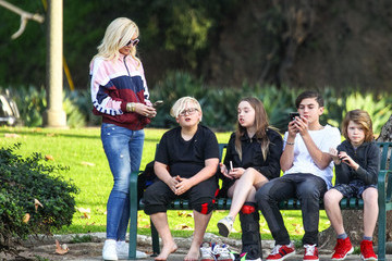 Gwen Stefani Kingston Rossdale Gwen Stefani Rocks Her Signature Casual Look While Out In L.A.