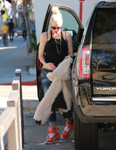 Top 15 Celebrities Who Drive Cheap Cars | TheRichest