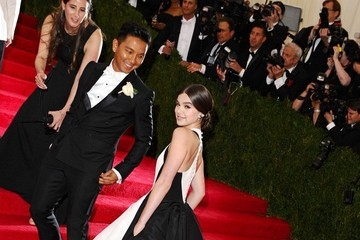 Hailee Steinfeld Red Carpet Arrivals at the Met Gala — Part 2