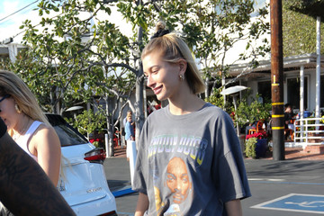 Hailey Baldwin Hailey Baldwin In L.A.