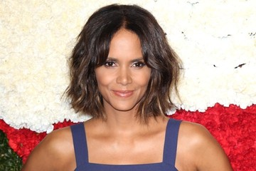 Halle Berry Stars at the Golden Heart Awards