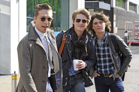 Isaac, Taylor and Zac Hanson outside the London studios.